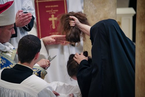 https://tracydunne.smugmug.com/Benedictines-of-Mary/Investitures/i-xbgM23S/A